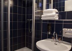 Kleines Doppelzimmer Bad